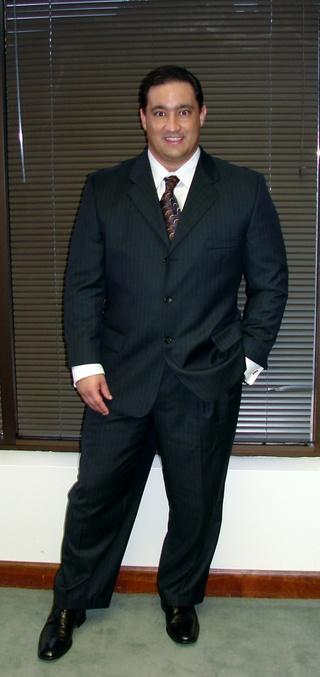 Jaredstanding_suit_2